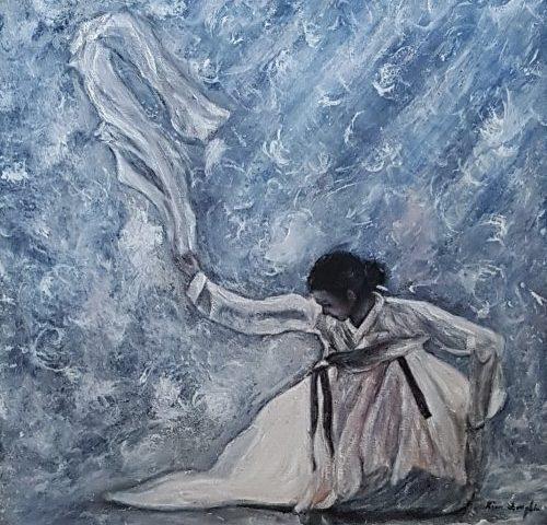 La dame au foulard blanc dans les tourbillons du vent, le ciel est bleu, l'air est agréable douceur ... The lady white scarf whirlwinds of the wind sky iblue air ipleasant softness