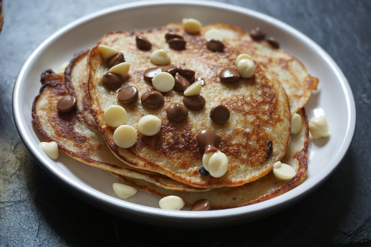 Gluten free banana pancakes with chocolate chips
