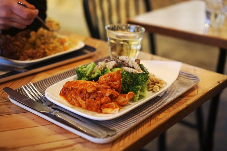 Gluten free Harissa chicken, broccoli and mushroom pasta from Farmstand in Covent Garden | Centra London | 100% Gluten Free Restaurant
