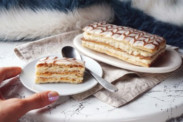 Homemade gluten free mille-feuille / custard slices recipe made with Jus Rol gluten free puff pastry + homemade pastry cream and icing