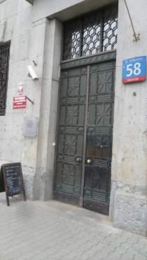 Hipoteka Warszawska w Al. Solidarności drzwi wejściowe
