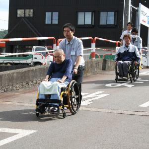 車椅子社員の避難