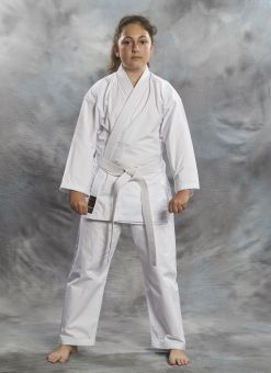 Karate Gi Nissaka 10OZ de color blanco