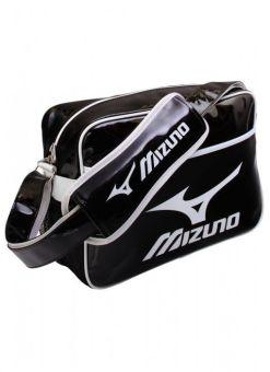 bolsa de deporte mizuno de color negro y blanco