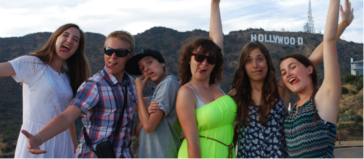 Hollywood2 grimaces