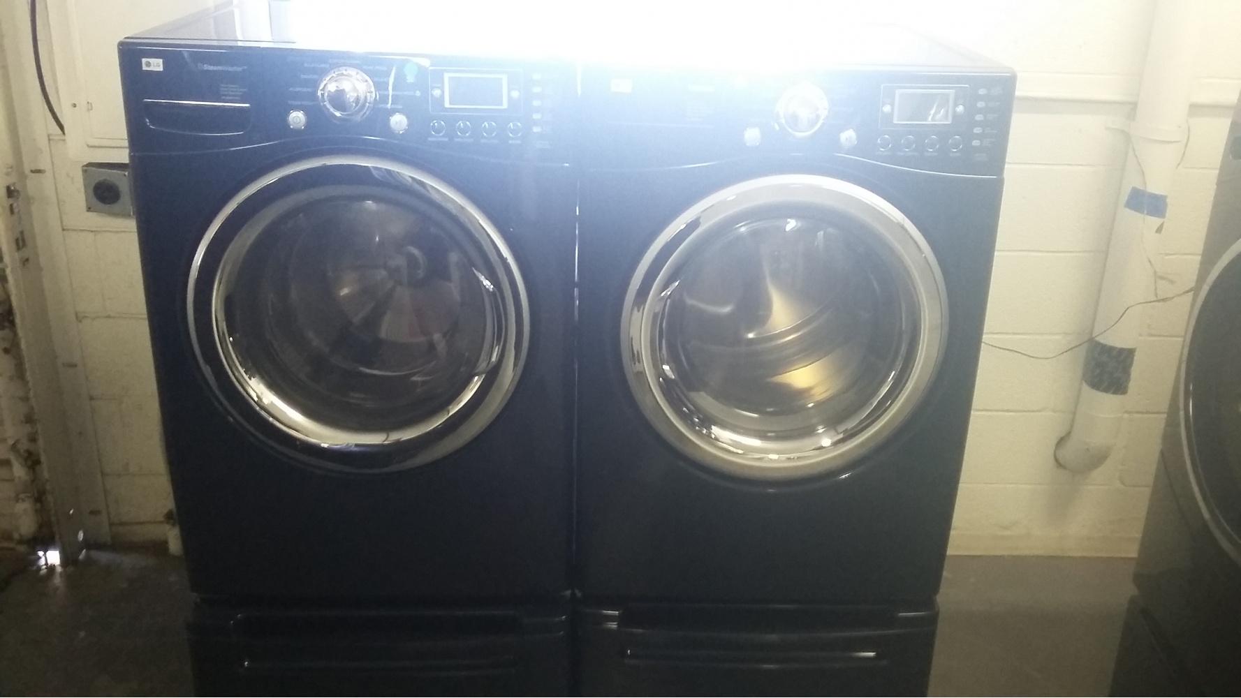 Lg Blue Front Load Washer W Gas Dryer Set On Pedestals