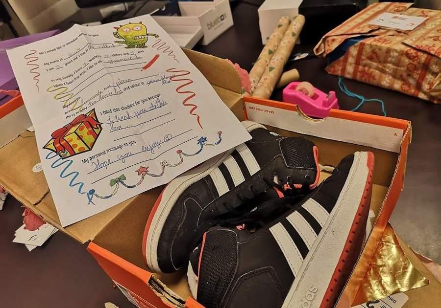 Cadeaus inpakken persoonlijke brief