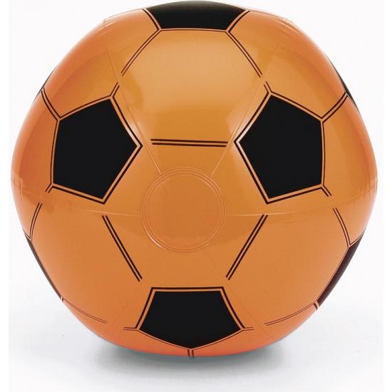 Strandbal wit met oranje voetbal