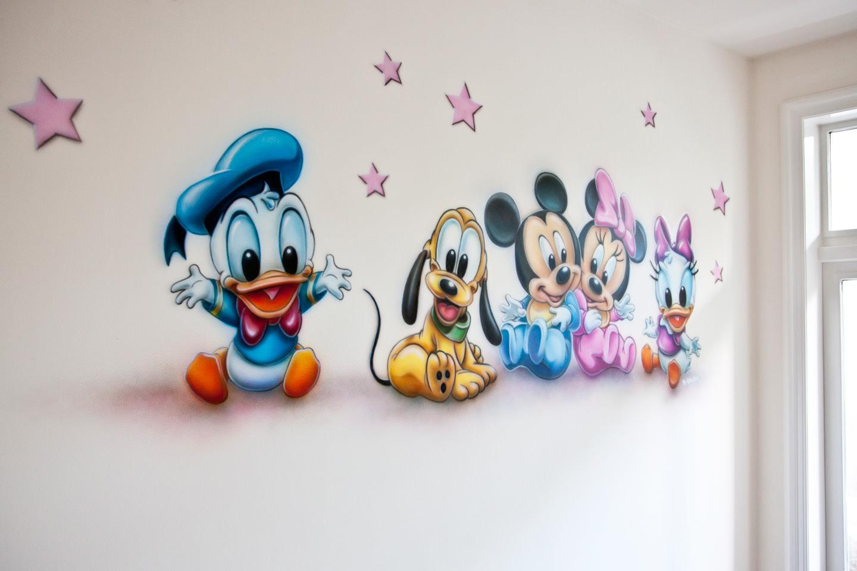 Muurschildering van Disney baby's in de kinderkamer / babykamer
