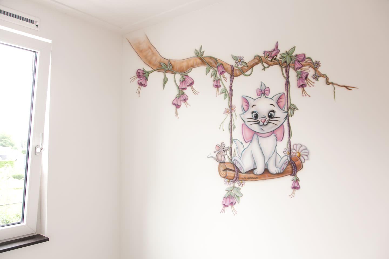 Schommel In Kinderkamer : Poes op schommel muurschildering kinderkamer muurschilderingen