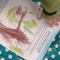 Faultier gemalt im Kindergarten