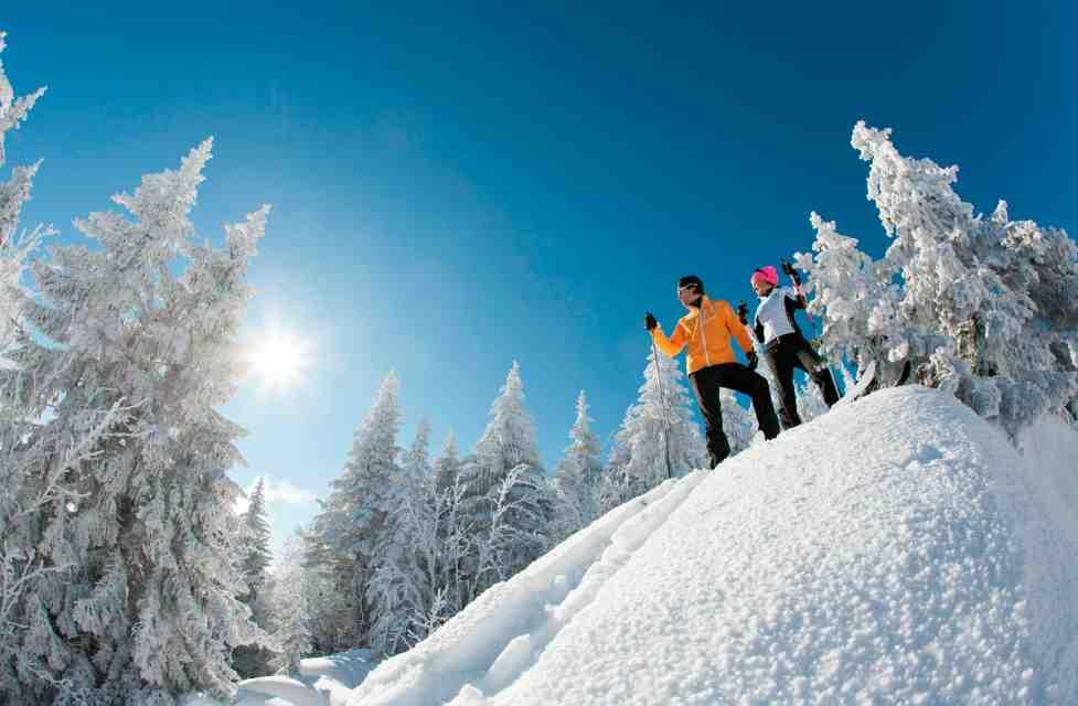 Großes Abenteuer im Winter. Mit Backcountry Ski entdecken Familien die Freiheit im Winter. Foto: (c) Rossignol