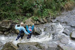 Urlaub im Allgäu kann ganz schön wild sein: Wie hier beim Wasseramselsteig Rettenberg. Foto: (c) Kinderoutdoor.de