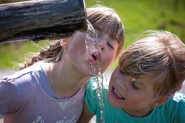 children drinking water