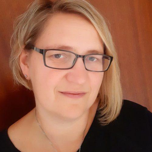 Stephanie Holschbach