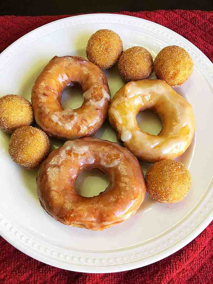 Delicious and Easy Biscuit Doughnuts (10)