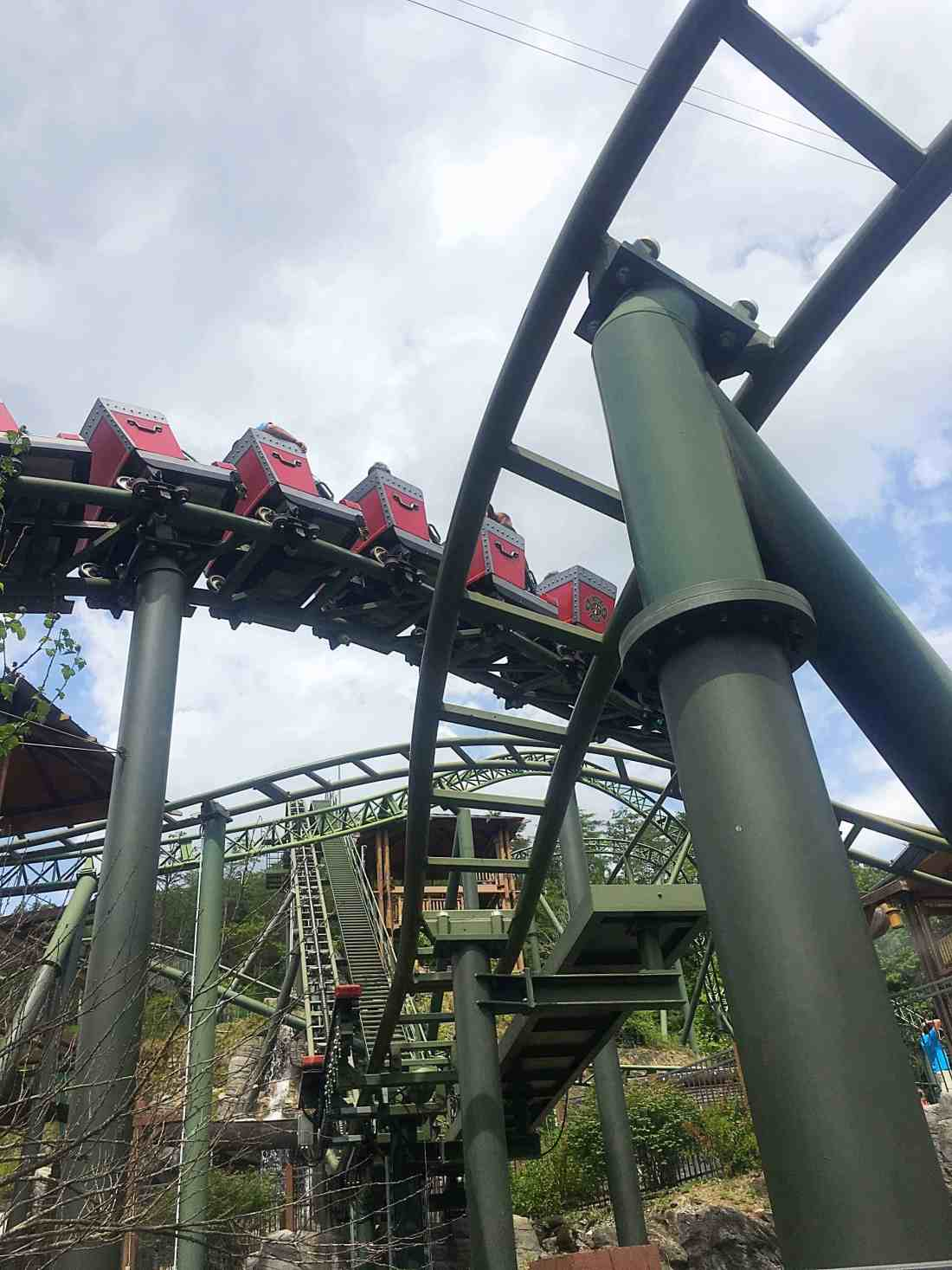 Planning a trip to Pigeon Forge, TN? Then you'll want to check out my full vacation guide on Family Fun at Dollywood and The Island Pigeon Forge, with super helpful tips on what to see and do. These two Pigeon Forge attractions are sure to make the entire family happy with fun rollercoasters, rides for kids, restaurants, shops, music, and more! #travel #familytravel #pigeonforge #tennessee #southerntravel #greatsmokymountains #gatlinburg #theislandpigeonforge