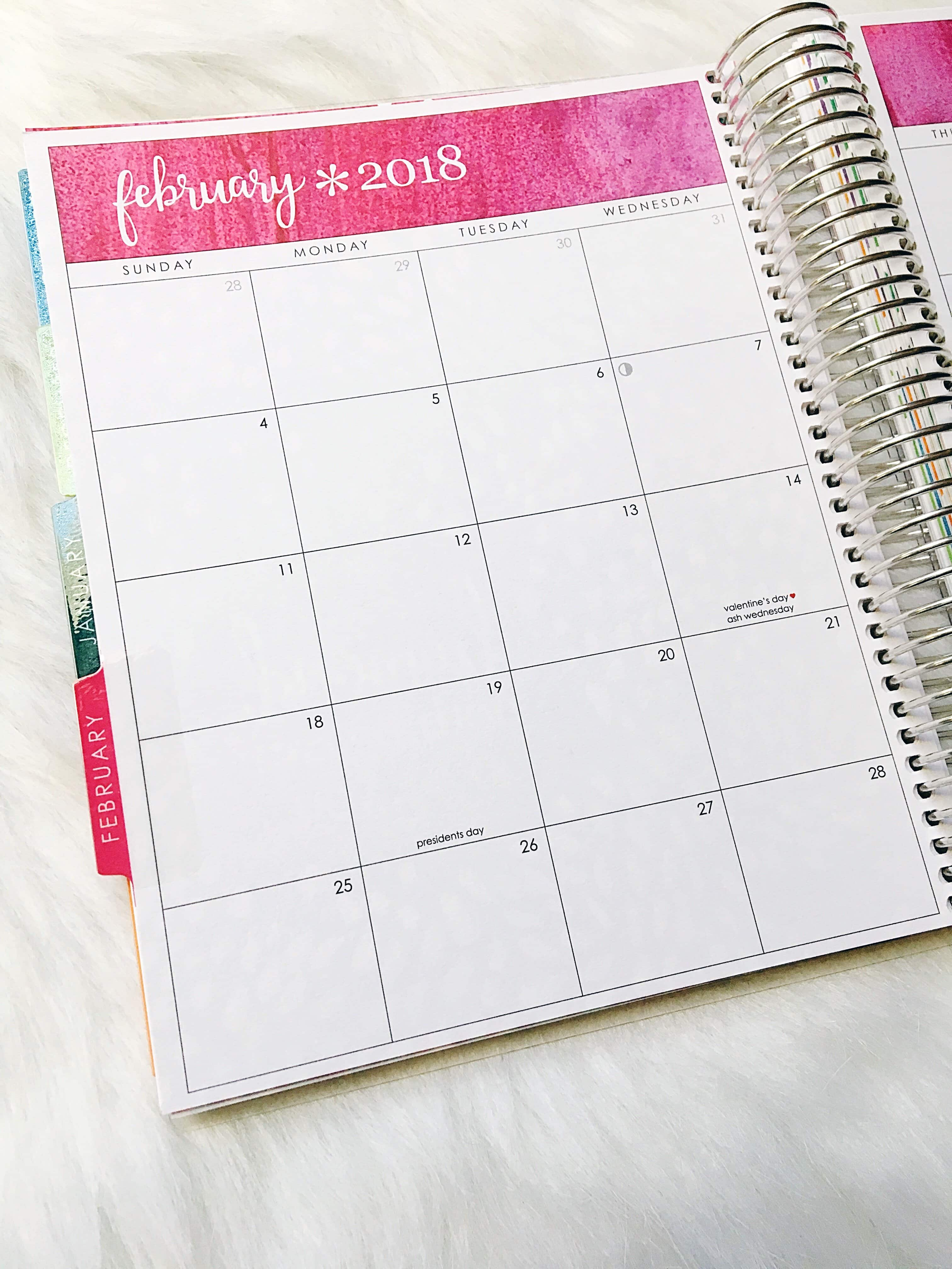 These 7 Tips + Tools For Organizing Your Life will help you minimize the clutter, reduce your stress, and get you back on track in getting stuff done this year