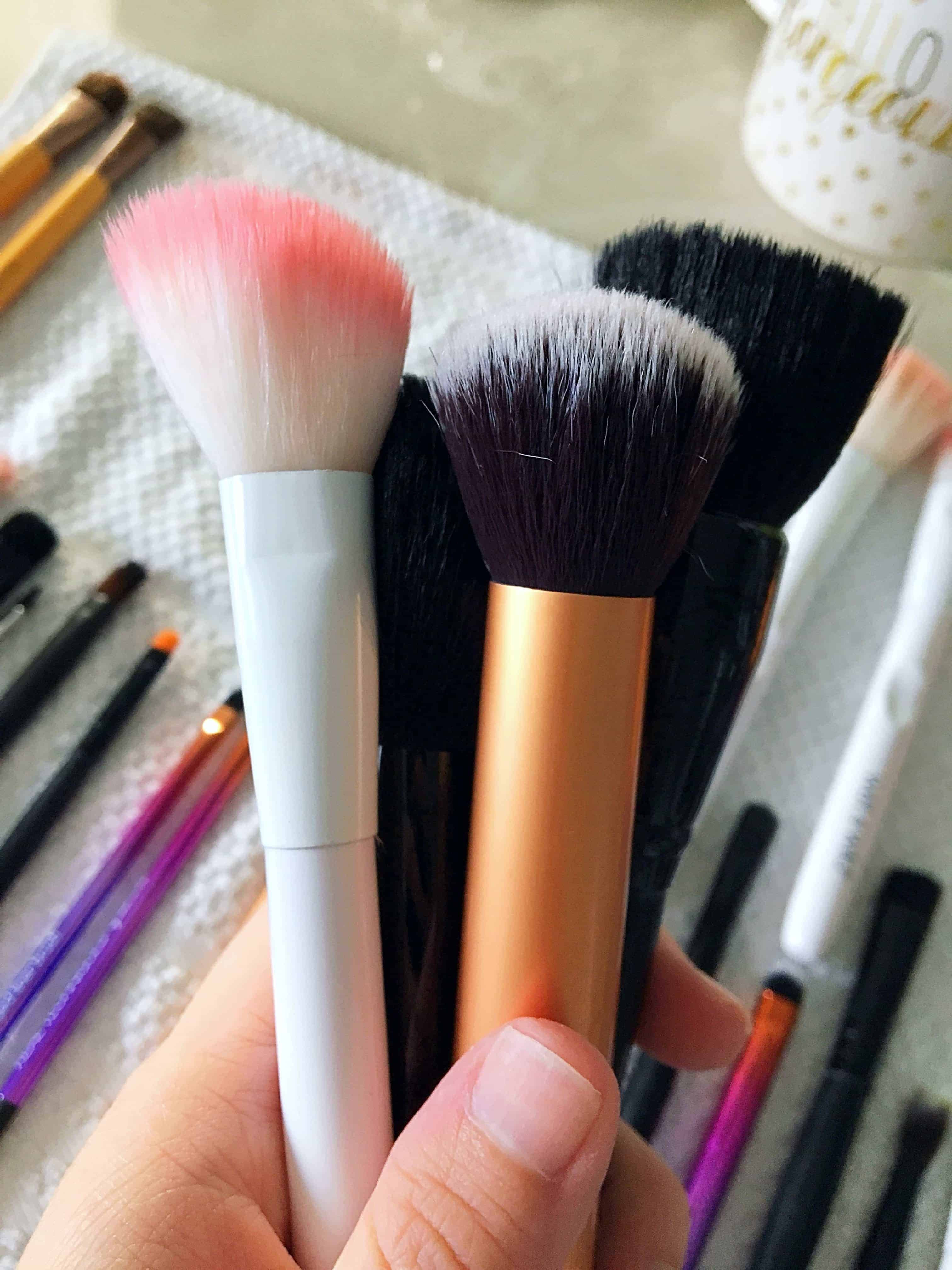 Want to know how to best clean your makeup brushes at home? Today I'