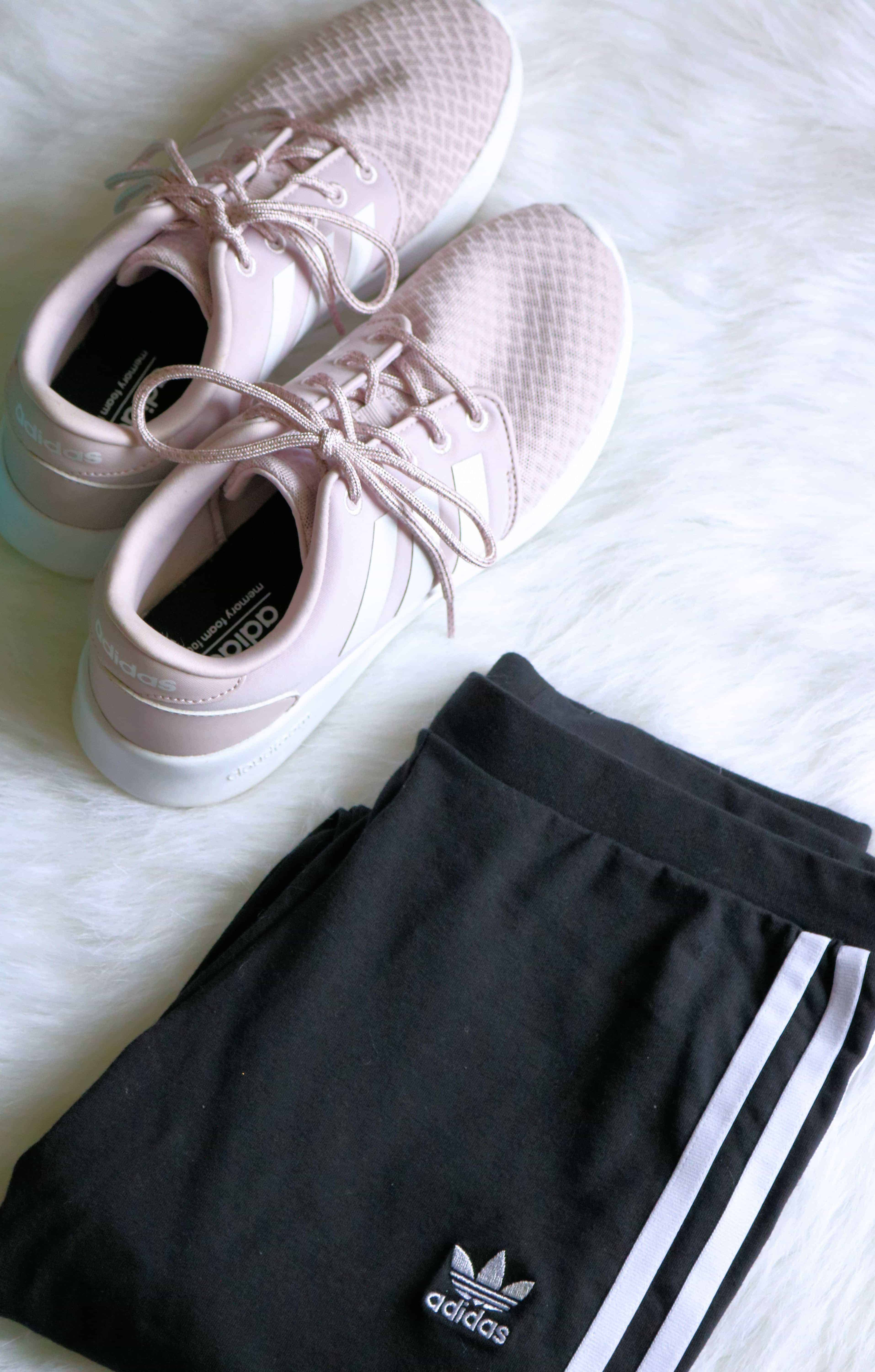 Check out my holiday gift guide of the 10 Best Fitness Gifts For Her all under $50! Every woman will love these fitness gifts and cute workout essentials! #christmasgifts #giftguide #fitnessgifts #giftsforher