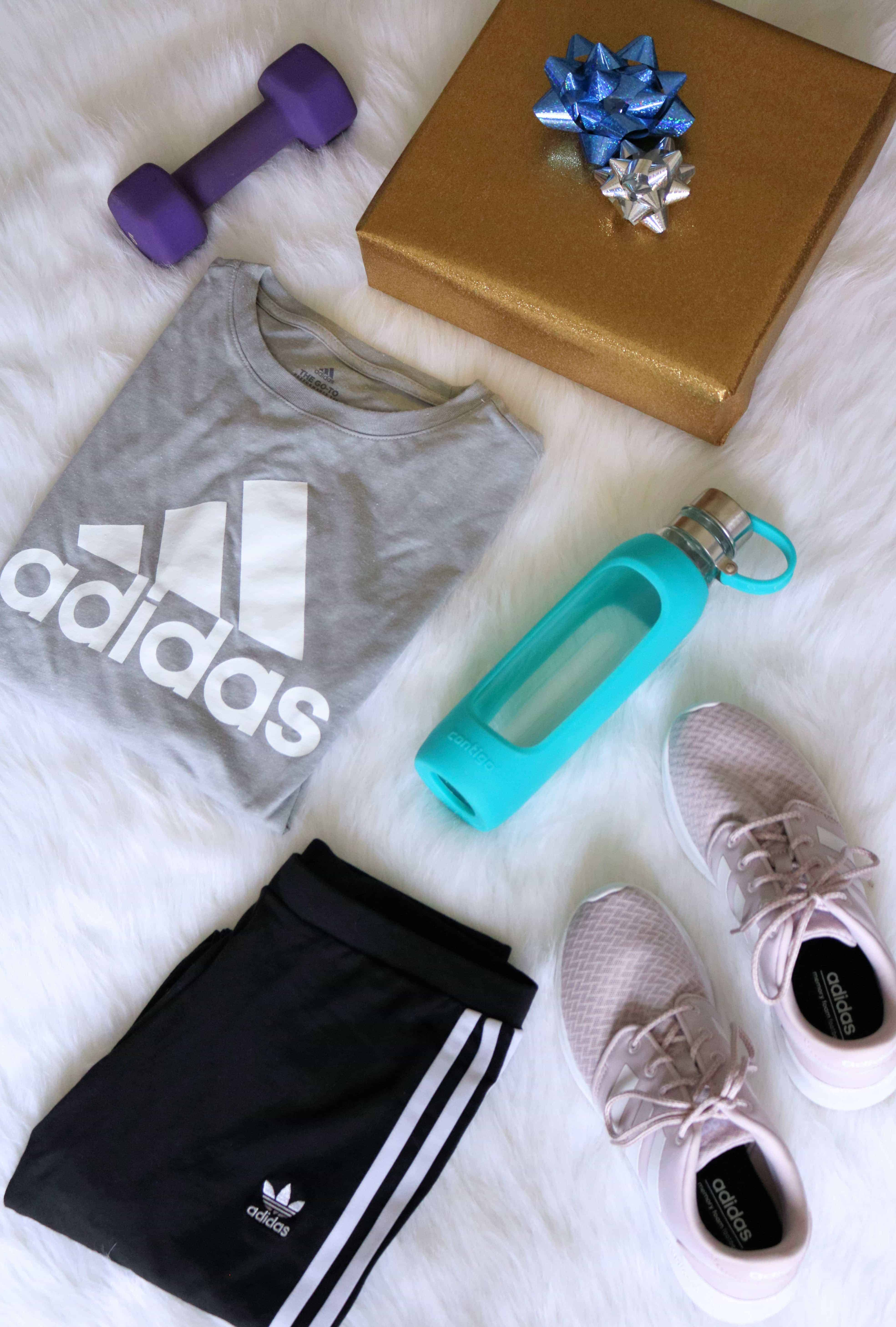 Check out my holiday gift guide of the 10 Best Fitness Gifts For Her all under & 10 Best Fitness Gifts For Her Under $50 - Kindly Unspoken
