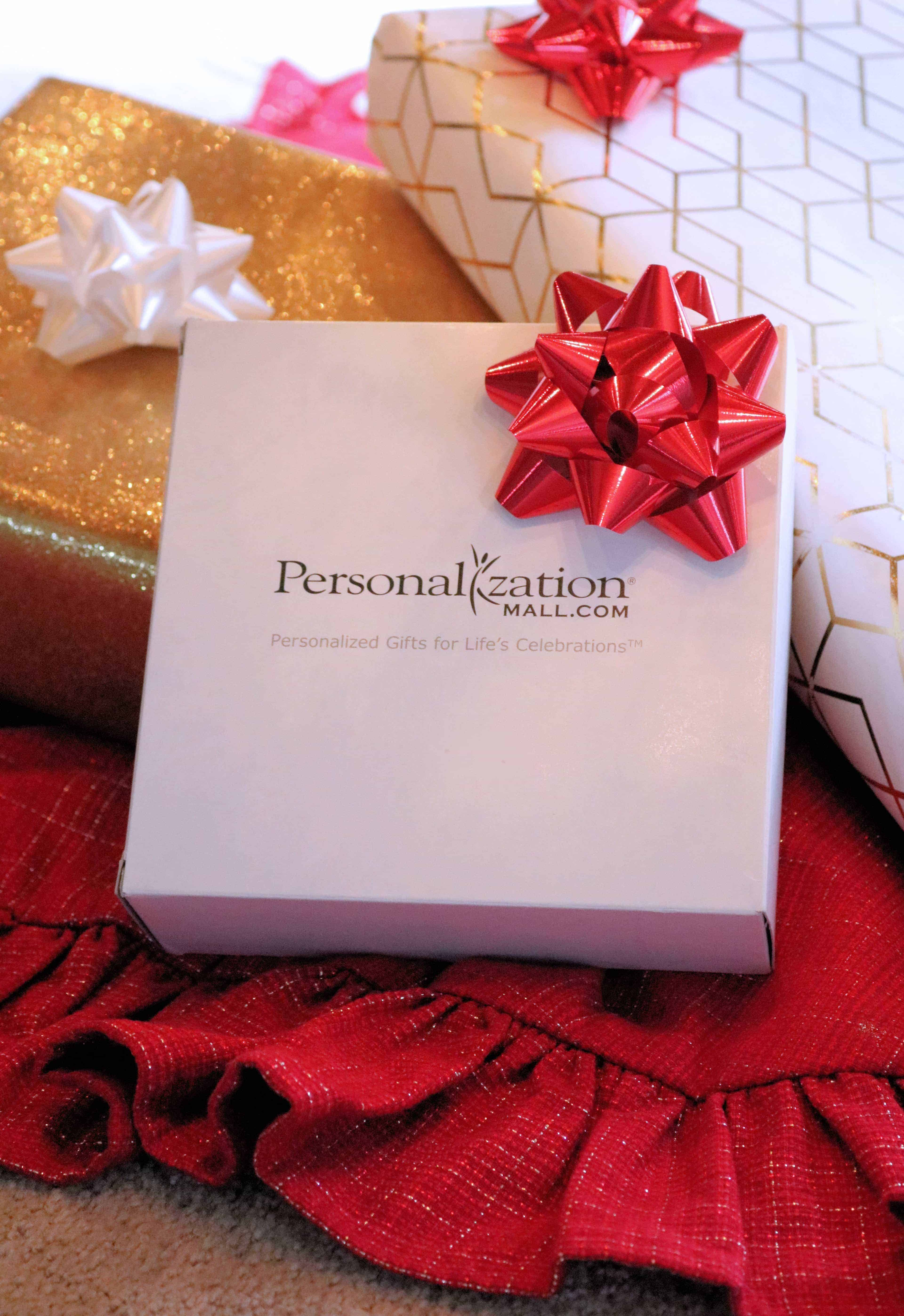 Personalized Christmas gifts are great for everyone on your list! Check out my roundup of personalized Christmas gifts for him, her, grandparents, and kids! #sponsored #personalizationmall