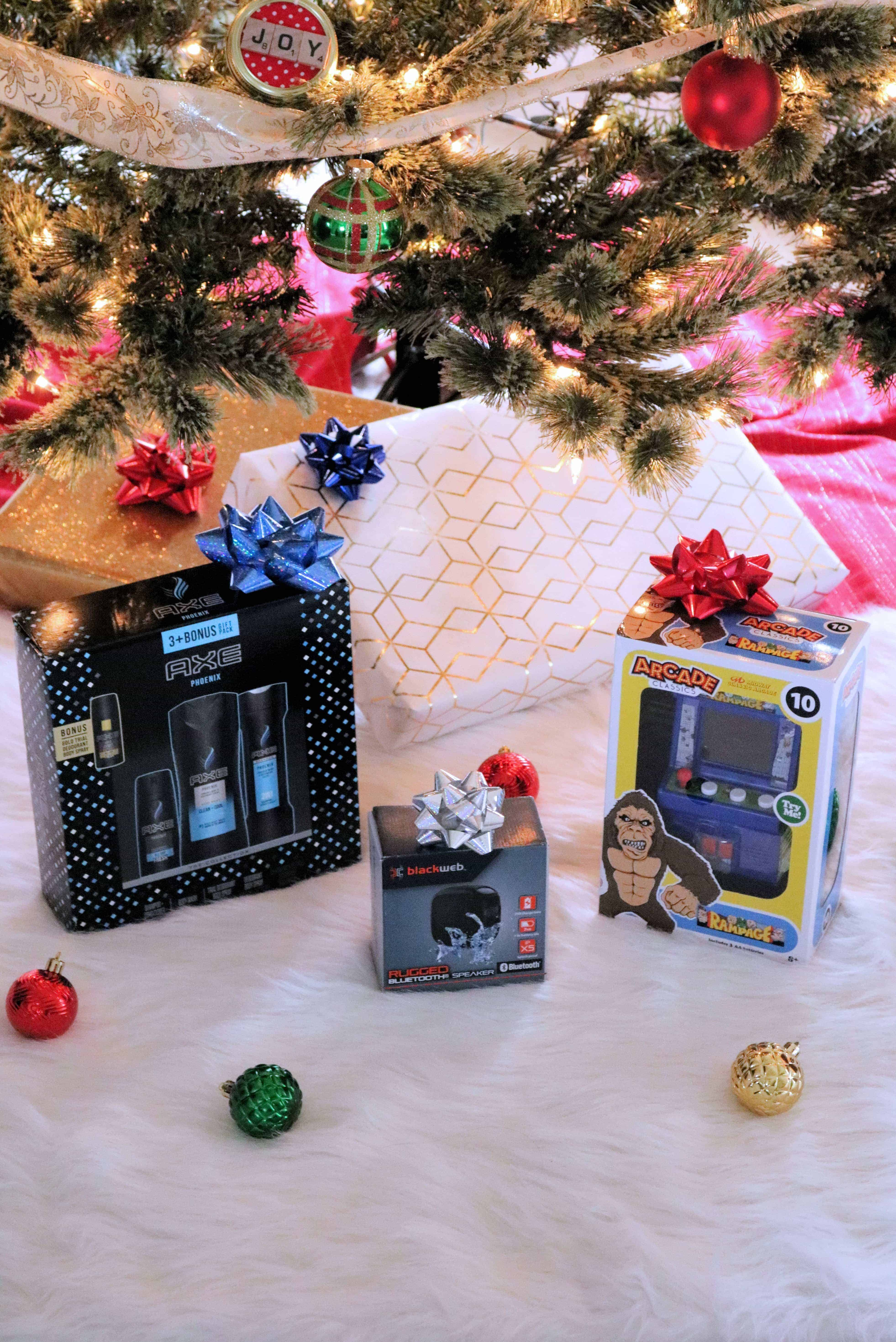 The Christmas countdown is on and Walmart has the top Christmas gifts this year that everyone will love to receive! Whether you're looking for gifts for her, gifts for him, or last-minute gifts for the kids, this list has the hottest Must-Have Walmart Christmas Gifts Under $25! #sponsored #WalmartTopGifts #christmasgifts #giftsunder25
