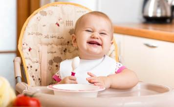 Baby-Led Weaning Facts and Food Suggestions For Your Babies