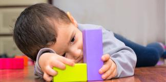 Signs of Autism in Babies and How to Deal With Them