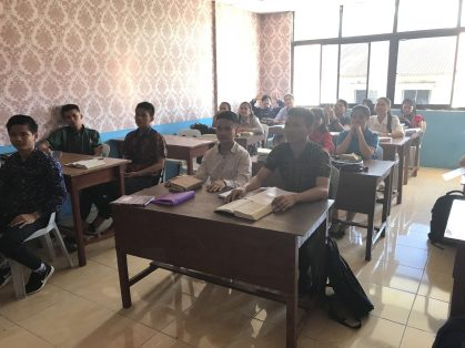 We were asked to go and speak to Ps Pantas English class that he teaches int he city -Batam Island, Indonesia 2019