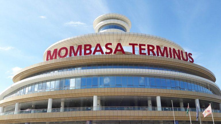 Trasferta Aeroporto Mombasa Transfer vom Flughafen Mombasa Trasferimento da Aeroporto di Mombasa