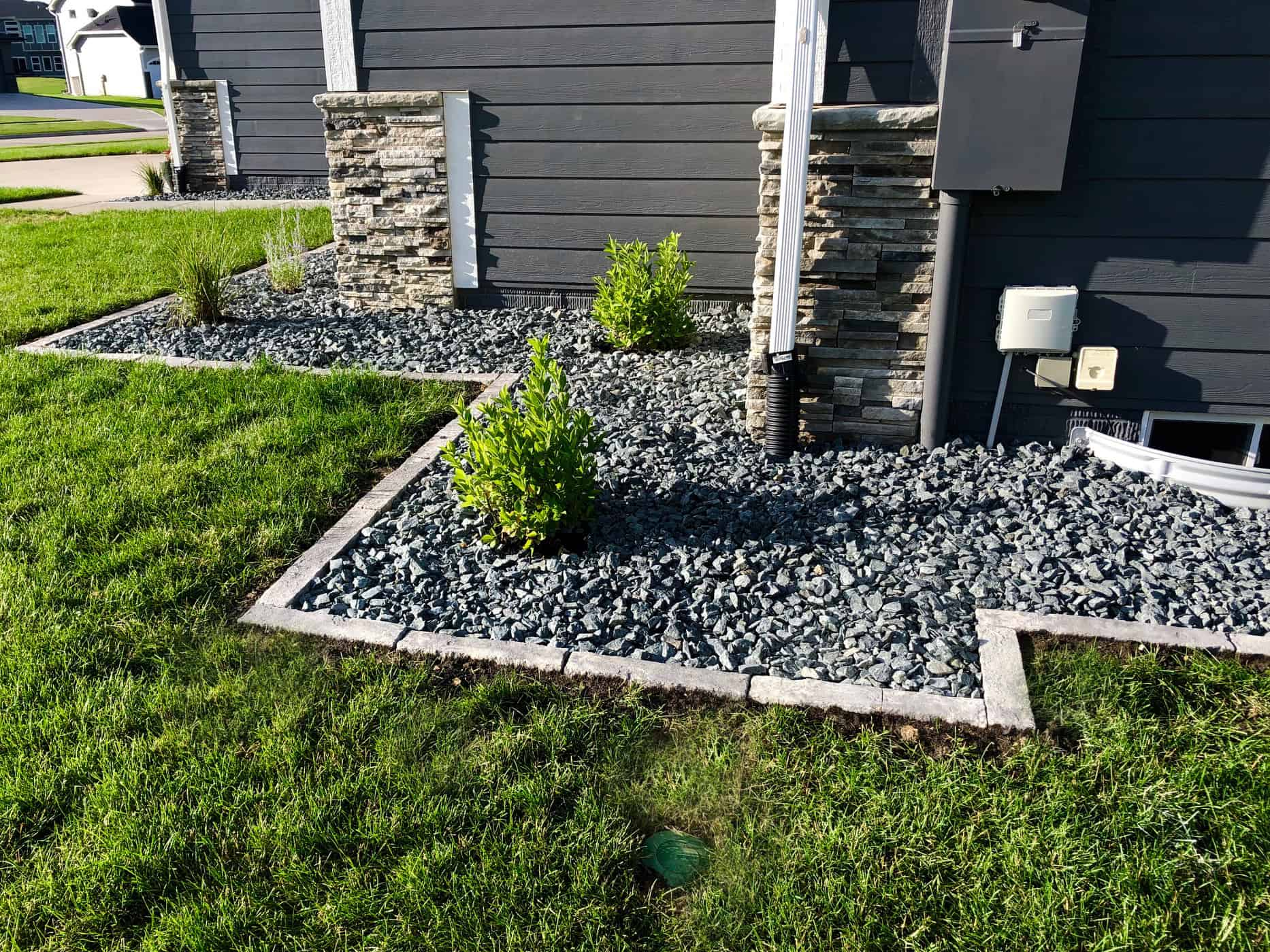 landscaping edging in Rosetta Bordo