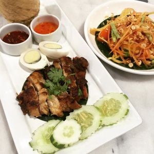Gai yang and som tum: This is a popular chicken rice and Thai