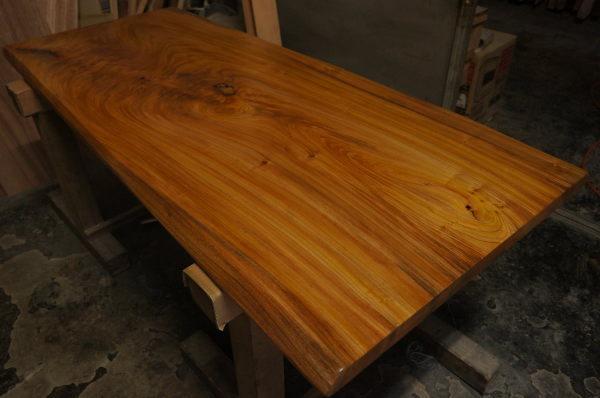ケヤキ天然木一枚板