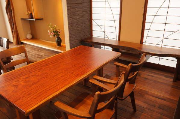 銘木の家具