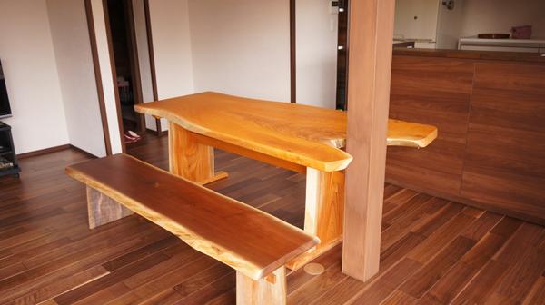 変形天然木一枚板ダイニングテーブル