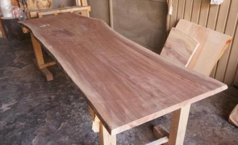 ブラックウォルナット一枚板ダイニングテーブル