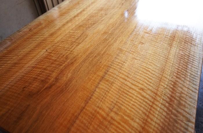 木目の良い一枚板