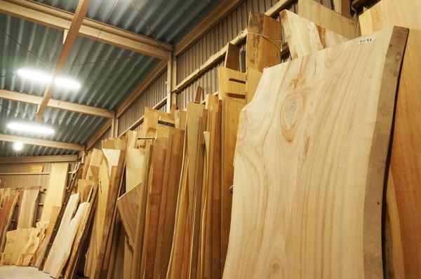 天然木一枚板在庫