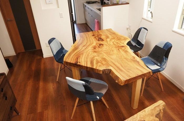 変形の一枚板テーブル
