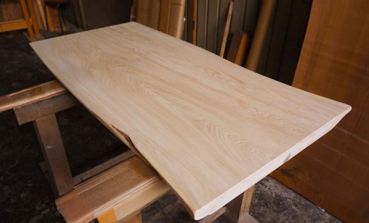 椹一枚板テーブル