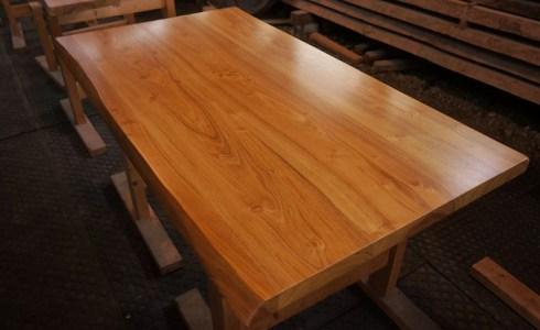 アカシアの木テーブル