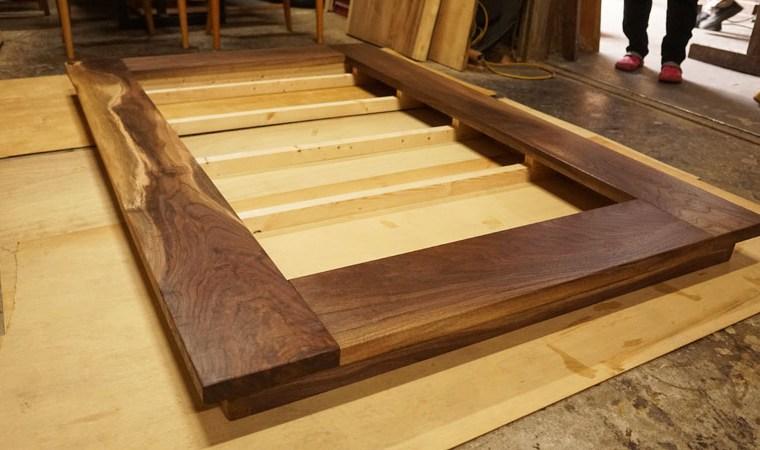 一枚板ベッド