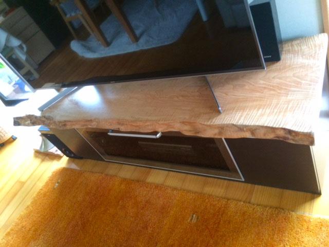 カエデ一枚板テレビ台