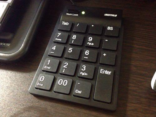 BUFFALOのテンキーボード