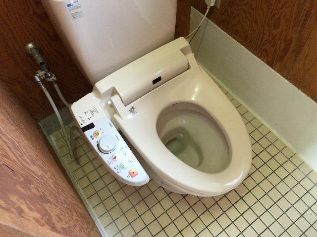 内海の駐車場かねいしのトイレ