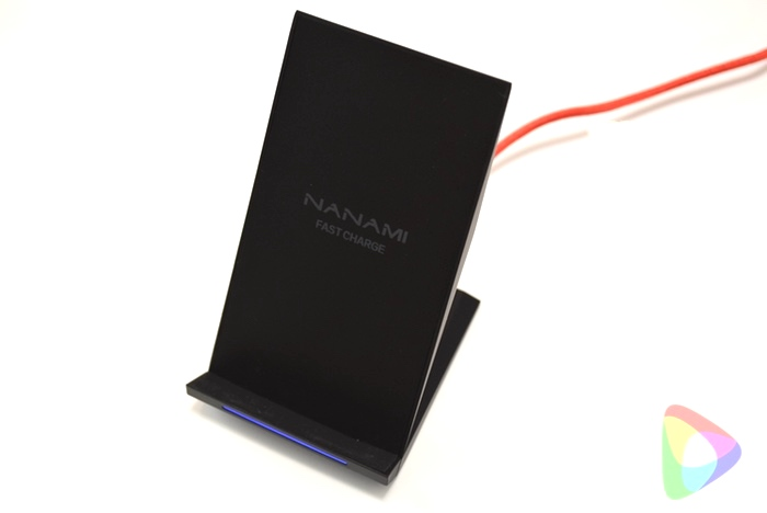 Qi 急速 ワイヤレス充電器 NANAMI Quick Charge 2.0