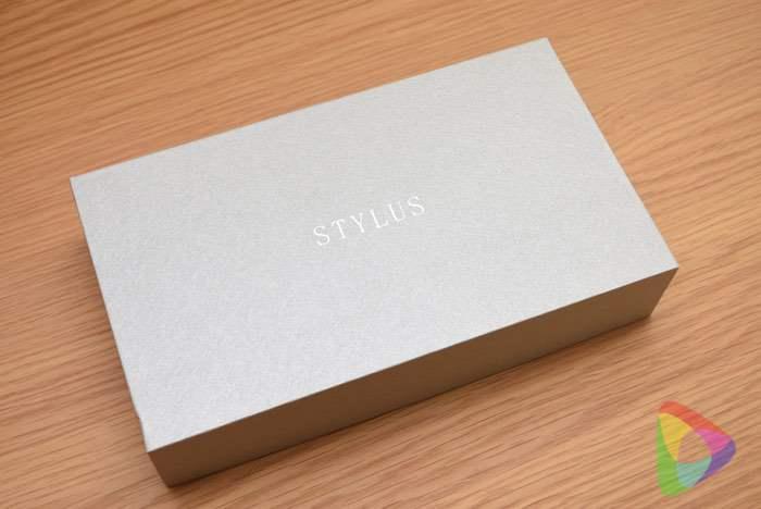 ストラスの長財布