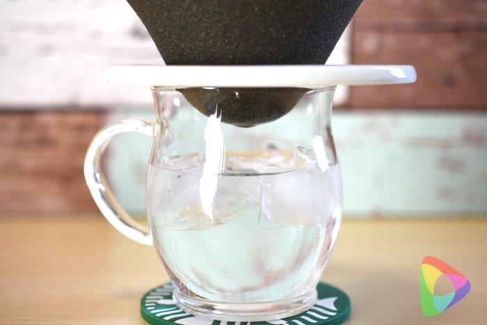 セラミックフィルターで水を飲む