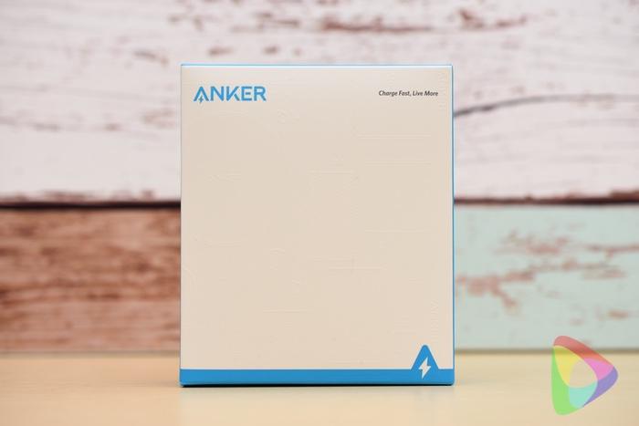 Anker PowerCore 10000 Reduxのパッケージ
